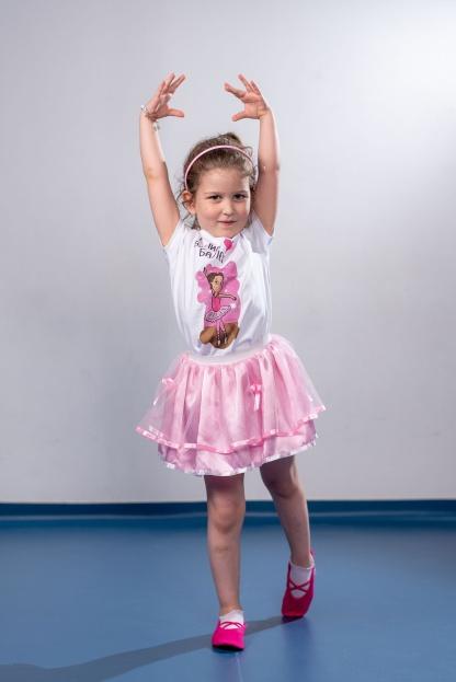 Majice za devojčice balerina, baletske ilustracije za vaše princeze. Sportanac