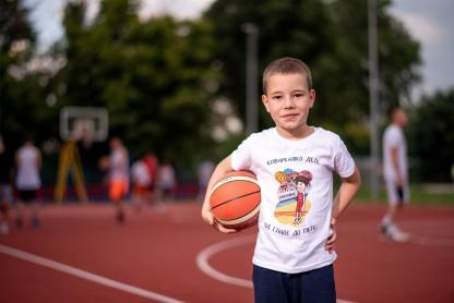 Dečije majice sa košarkaškim ilustracijama. Sportanac majice za vaše mališane