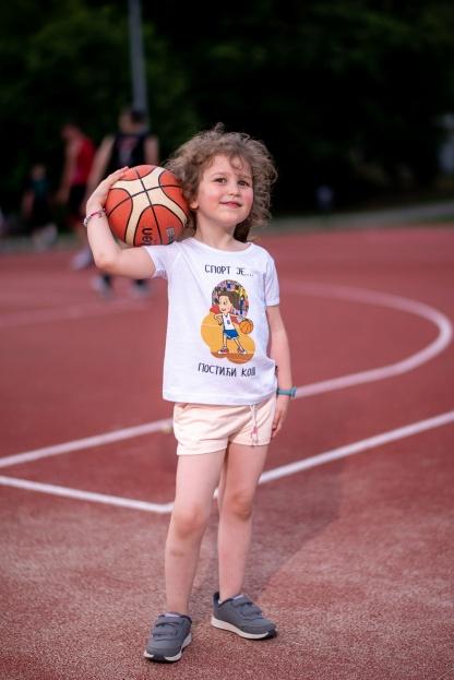 Majice za devojčice o sportu, kvalitetne dečije majice sa sportskim motivima za vaše mališane